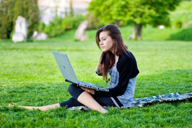 Cum protejezi bateria laptopului! Uite cum poti avea grija de ea, ca sa te tina mai mult