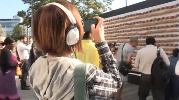 Un dispozitiv cu 800 de mere si cartofi a reusit sa incarce un smartphone