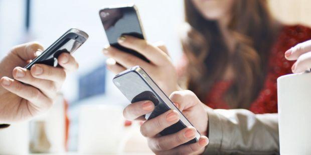 Cei mai multi utilizatori de smartphone-uri NU descarca aplicatii