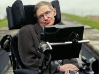 Stephen Hawking canta rock. Colaboreaza cu una dintre cele mai cunoscute trupe din lume