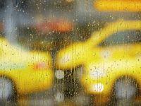 iLikeIT. Vin ploile, iar taxiurile raspund foarte greu la comenzile telefonice. Care sunt cele mai bune aplicatii de taxi