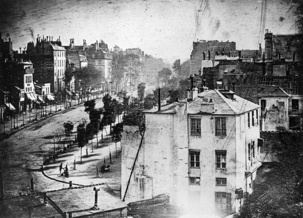 Aceasta este prima fotografie din istorie. Motivul pentru care totul pare pustiu, desi era aglomeratie