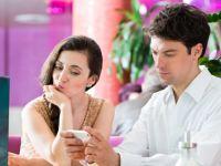 Asta-i aplicatia care a cauzat 40% din divorturi:  E ca o dinamita. Unii o foloseau si pentru 3-4 aventuri