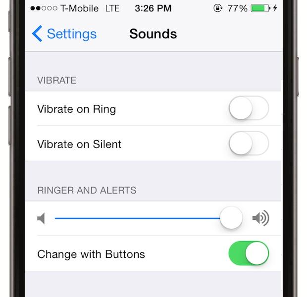 Dezactiveaza vibratiile inutile - Utile cand esti intr-un mediu zgomotos si nu s-ar auzi sau silentios cand nu vrei sa deranjezi, vibratiile sunt utile, dar mananca bateria. Dezactiveaza-le pe cele care nu te intereseaza in Settings > Sounds