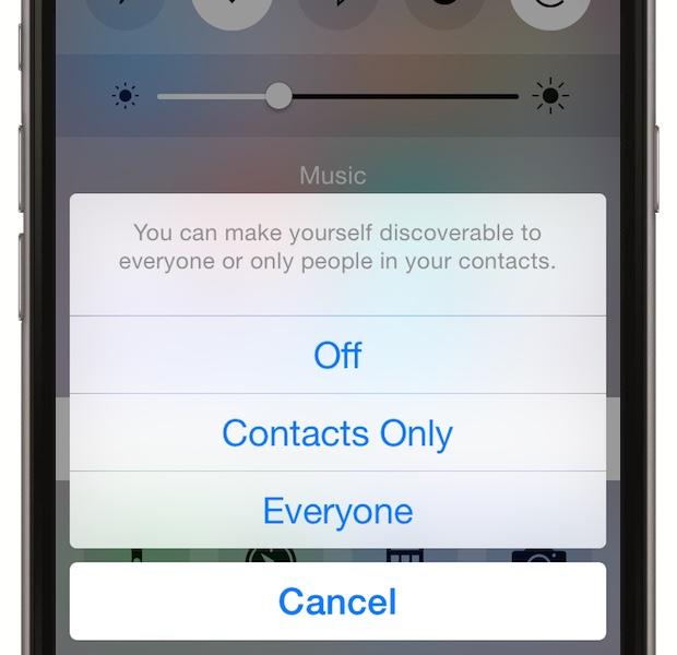 Foloseste rar AirDrop - disponibil pentru toate modelele incepand cu iPhone 5, AirDrop ajuta la share--ul fisierelor intre doua dispozitive apropiate. Bateria e insa afectata. Intra in Control Center si alege AirDrop si dezactiveaza cand nu il folosesti