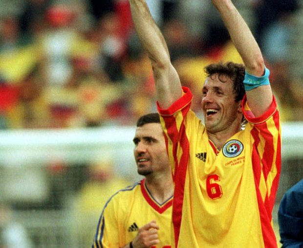 Interviu exclusiv cu unul dintre cei mai tari atacanti din lume:  Imi aduc aminte de Hagi, Popescu. Ati avut o echipa fantastica.  Dezvaluire in premiera in Europa