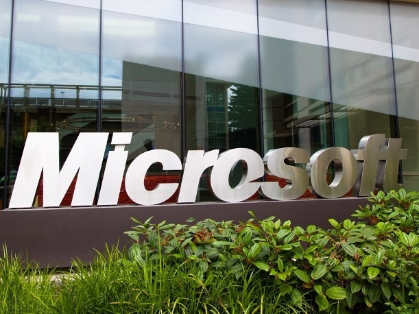 Microsoft, amendata de China cu 137 de milioane de dolari pentru evaziune fiscala. Apple risca si ea