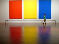 Fii #vanator de tricolor. Rosu, galben si albastru, cele 3 culori din steagul romanesc sunt peste tot. Trebuie doar sa le descoperi. Sau sa le inventezi