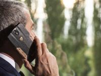 Asa arata smartphone-ul de 6.000 de dolari! Ce poate sa faca telefonul oamenilor bogati