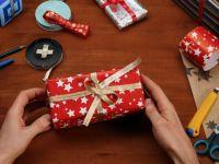 Cum sa impachetezi un cadou de Craciun in 12 secunde. Cele mai simple si rapide metode - VIDEO