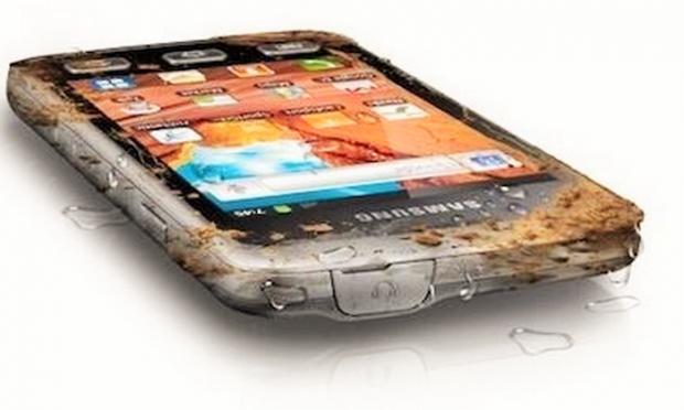 Samsung prezinta cel mai dur telefon! Poti sa-l scapi linistit pe jos, nu pateste nimic! Ce specificatii are