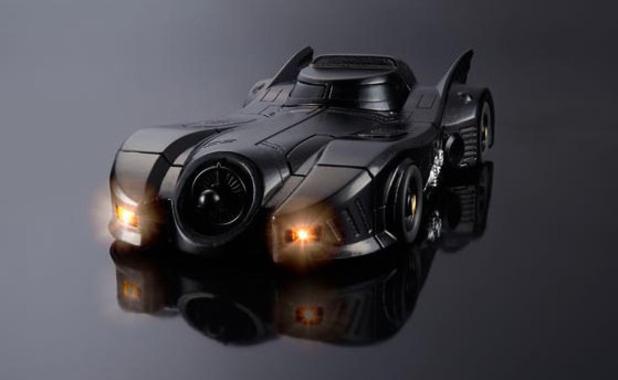 Probabil cel mai cool iPhone 6! Cum poti sa-ti transformi telefonul intr-un Batmobil