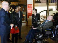 Predictia lui Stephen Hawking:  E singurul mod prin care omenirea poate supravietui!