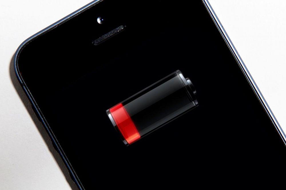 Motivul pentru care Apple refuza sa puna baterii mai mari in iPhone