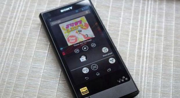 Am testat rapid cel mai tare walkman de la Sony. Costa 1200 de euro