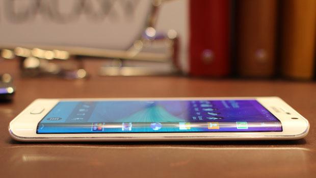 Galaxy S6 edge vs iPhone 6 Plus. Ce telefon are camera mai buna