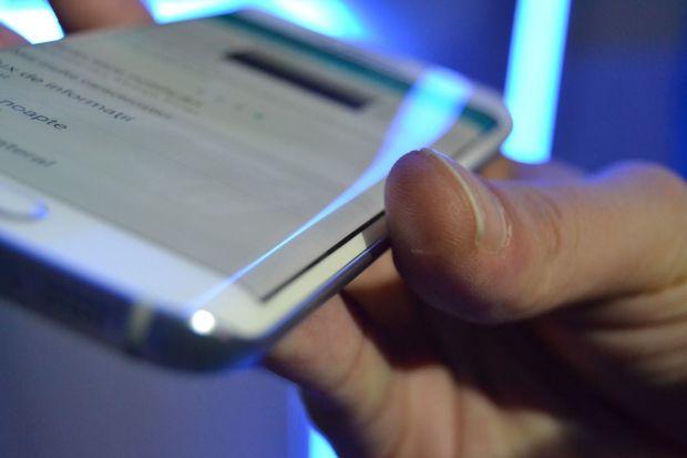 Cum arata functia unica pe care o are Samsung Galaxy S6 Edge. VIDEO