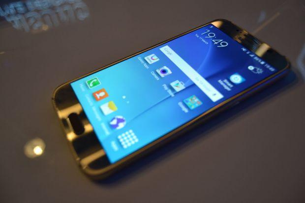 Veste mare pentru toti cei care vor sa puna mana pe un Galaxy S6! Ce vei putea sa faci cu telefonul