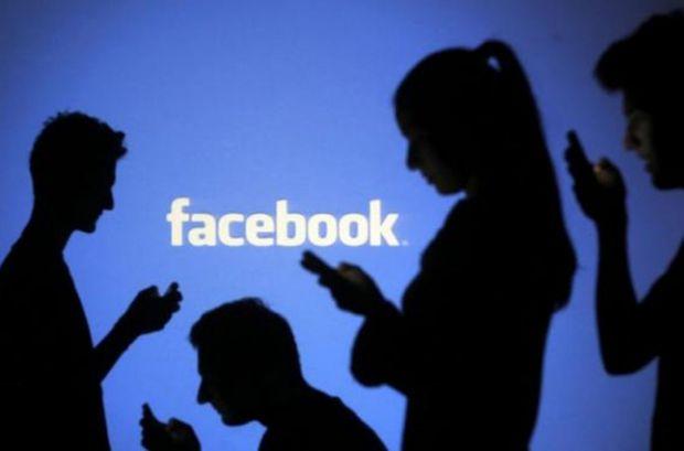 Generatia Facebook  este mai sanatoasa si mai fericita decat erau adolescentii din urma cu 10 ani
