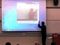 Un profesor de matematica si-a lasat fara cuvinte elevii! Ce s-a intamplat a fost vazut de milioane de oameni
