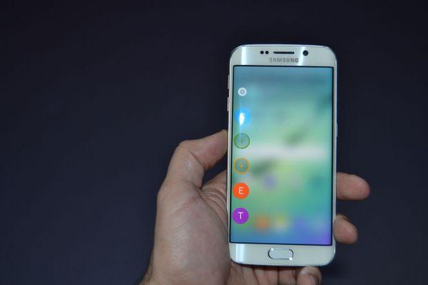 Samsung a dat cea mai mare lovitura cu Galaxy S6 si S6 Edge, dar are o mare problema!