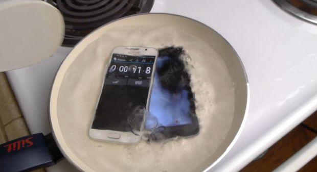 Au luat noul Galaxy S6 si un iPhone 6 si le-au pus in apa la fiert! Ce s-a intamplat cu cele 2 telefoane! VIDEO