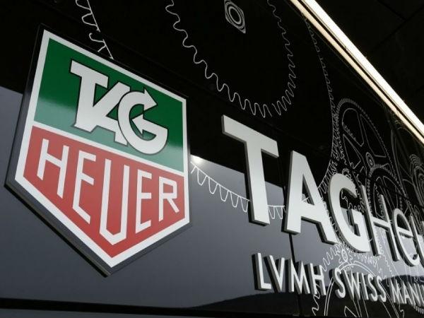 TAG Heuer intra pe piata de smartwatch-uri. Vor lansa primul model in toamna
