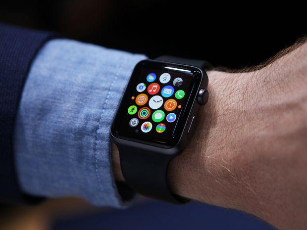 A fost amendat cu 120 de dolari pentru ca schimba melodia pe Apple Watch in timp ce se afla la volan
