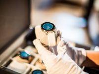 Vector, ceasul inteligent cu echipa tehnica romaneasca si baterie de 30 de zile, se va lansa in septembrie