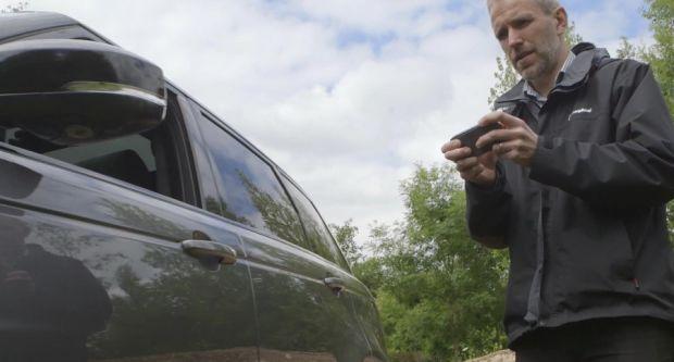 Range Rover a prezentat masina ce poate fi condusa printr-o aplicatie de pe smartphone
