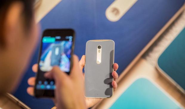 Ce surpriza! Telefonul cu cea mai tare baterie a fost anuntat oficial:  Are si cea mai buna camera de pe piata!