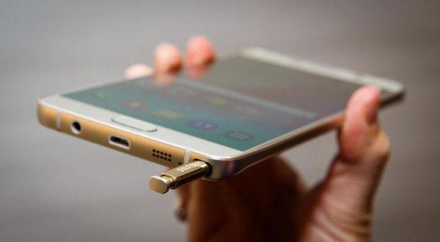 Galaxy Note 5 nu apare in Romania in 2015? Samsung se concentreaza pe Galaxy S6+ pe piata europeana