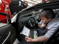 Producatorii auto se aliaza impotriva hackerilor
