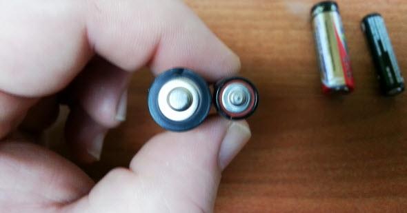 Cum poti face focul cu o baterie si guma de mestecat VIDEO