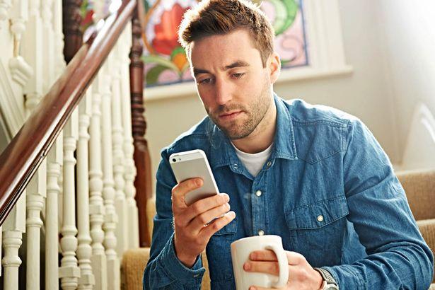 A vrut sa-i trimita un mesaj pe WhatsApp iubitei, dar a gresit numarul! Ce a putut sa scrie