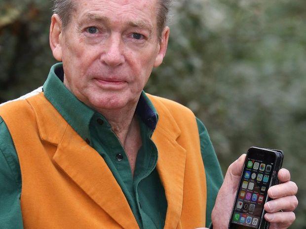 Apple si-a gasit nasul:  Este absolut fabulos, o victorie monumentala!  Ce a patit un barbat de 68 de ani dupa ce si-a dus iPhone-ul la reparat