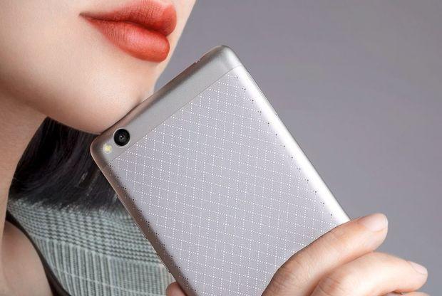 Xiaomi a lansat Redmi 3. Are un pret incredibil de mic, bateria tine peste 2 zile
