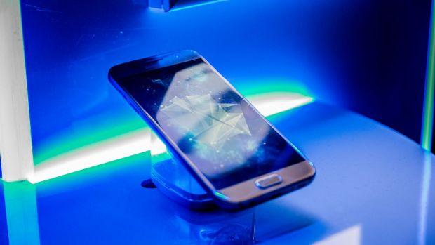 FOTO: Galaxy S7 si S7 Edge au ajuns in Romania! Diferenta telefoanelor fata de cele din SUA