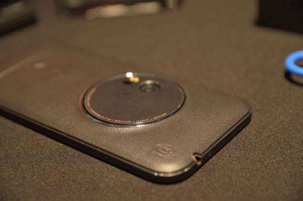 Asus a lansat 8 telefoane noi in Romania. Primul telefon cu zoom optic 3x si primul telefon cu 4GB din lume