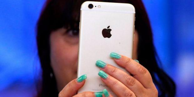 Motivul pentru cea mai controversata decizie Apple! Cati bani castiga atunci cand este cumparat un astfel de iPhone