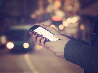 Scrierea mesajelor pe telefon in timpul mersului poate fi interzisa