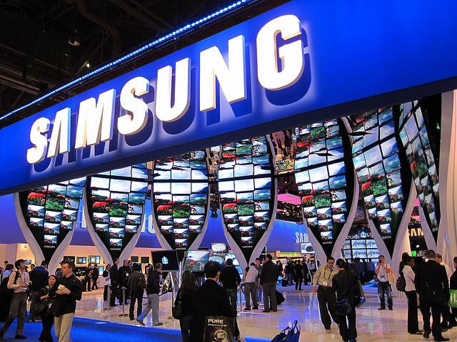 Samsung revolutioneaza lumea tehnologiei! Nicio companie n-a mai avut curajul sa faca asta