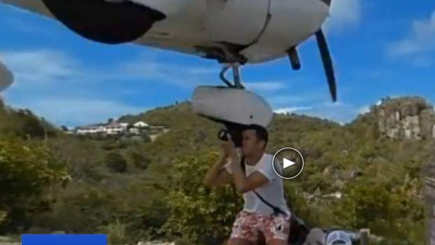 Un avion a fost aproape sa loveasca un fotograf inainte de aterizare pe unul dintre cele mai periculoase aeroporturi din lume