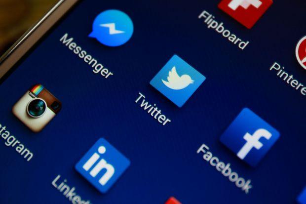 Dispare SMS-ul? Cele 2 aplicatii pe care le prefera utilizatorii! Anuntul facut de Facebook
