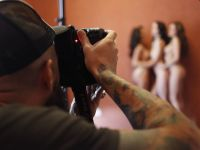 Edward Aninaru revine in Romania cu un workshop dedicat nudului glam-chic