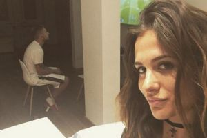 Sotia unui jucator din nationala Italiei se plange ca fotbalistul este obsedat de FIFA 17