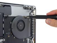 Au desfacut cel mai scump device Apple si s-au ingrozit! Ce au descoperit inauntru