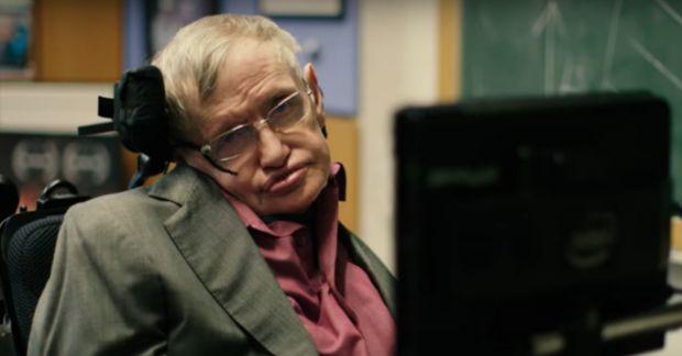 Stephen Hawking si-a schimbat vocea! Cine este vedeta care ii va imprumuta glasul de acum inainte