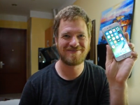 Si-a construit singur un iPhone cu bucati din China! Cat l-a costat sa-si faca singur un telefon