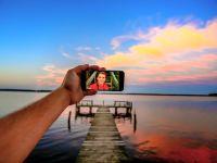 Huawei lanseaza telefonul perfect pentru selfie! Cat de buna este camera frontala